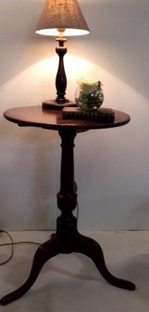 A very nice Oak Georgean Tilt Top table ca 1760
