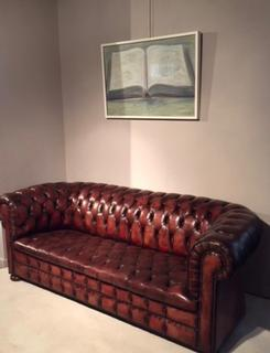 An Enlglish early 20 th Century Chesterfield Sofa.